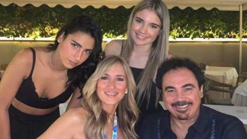 Hugo Sánchez pasa tiempo con su familia