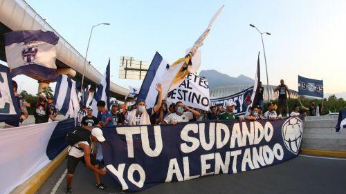 Barra de Monterrey previo a un partido