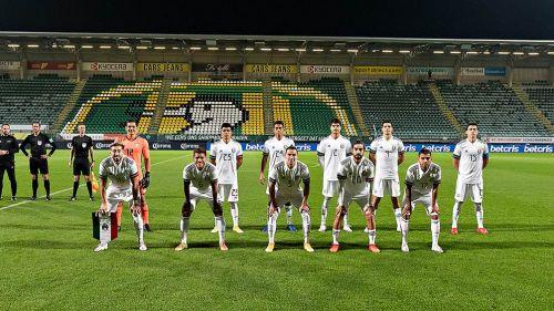 Jugadores del Tri antes del juego amistoso contra Argelia