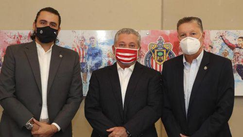 Amaury, Vucetich y Peláez en evento del Rebaño