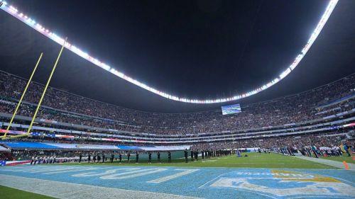 Estadio Azteca en el juego entre los Chargers y los Chiefs