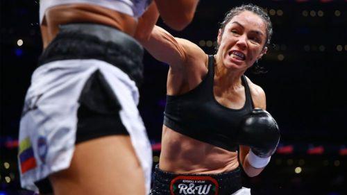 Jackie Nava durante una pelea