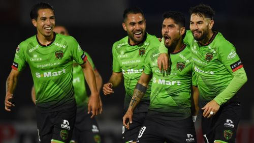 Jugadores de Bravos festejan el gol de Galván