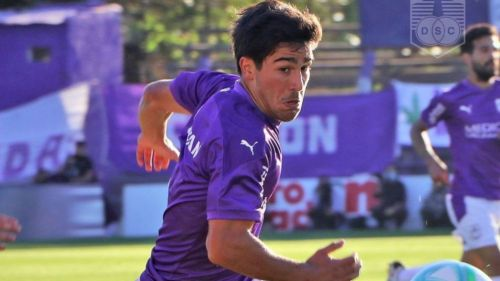 Vicente Poggi en acción con Defensor Sporting