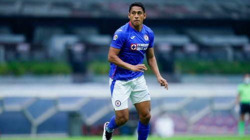 Luis Romo jugando con Cruz Azul