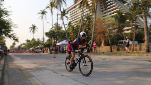 Ciclismo en Ironman de Acapulco con el Mazda Team