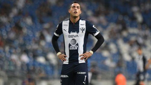 Rogelio Funes Mori en un partido con Monterrey