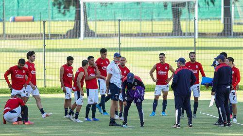 Jugadores de Chivas durante la Pretemporada