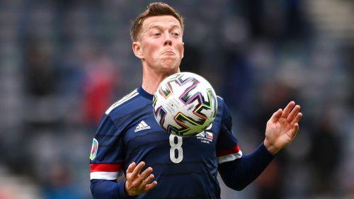 """Callum McGregor tras eliminación de Escocia: """"El vestuario está destrozado"""""""