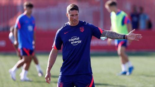 Fernando Torres dando indicaciones