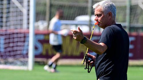 José Mourinho durante entrenamiento con la Roma