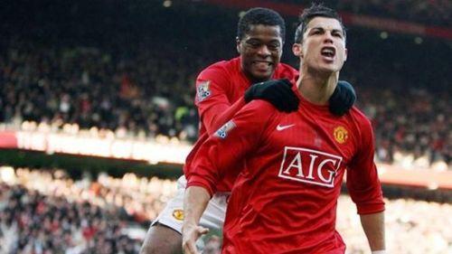 Evra y Cristiano durante un partido del United