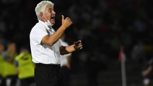 Ricardo Ferretti durante el partido contra Gallos