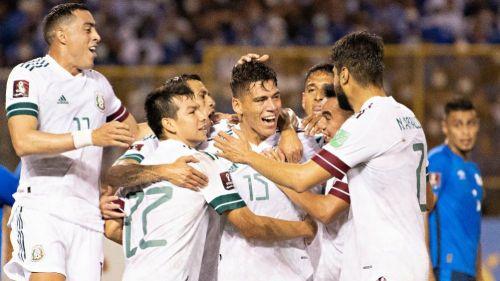 Jugadores de la Selección Mexicana celebrando un gol sobre El Salvador