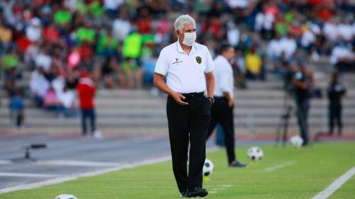 Tuca Ferretti durante un partido con Juárez