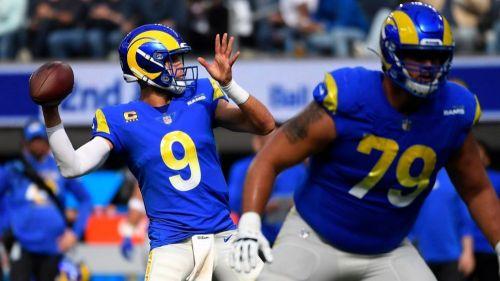 Matthew Stafford en acción con Rams