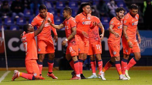 Los jugadores de Cruz Azul celebrando un gol