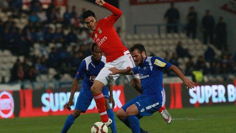 Raúl Jiménez en un partido con el Benfica en Copa