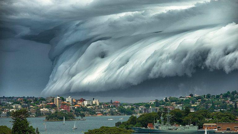 Impresionante nube sobre Sydney, Australia