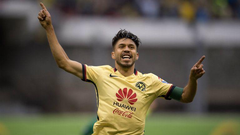 Oribe festeja gol contra Chivas