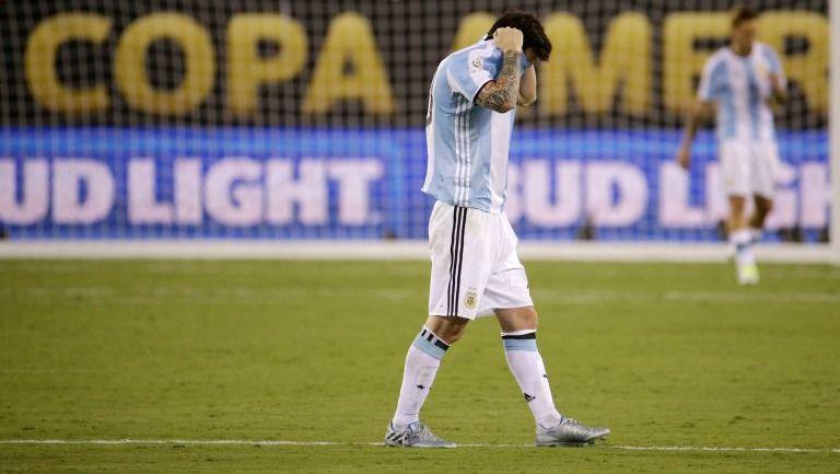 Messi se lamenta durante la Final de la Copa América Centenario