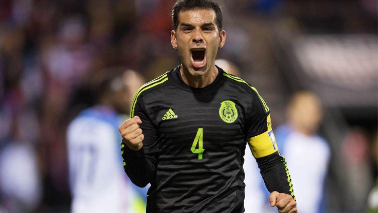 Rafa Márquez celebrando gol de la victoria