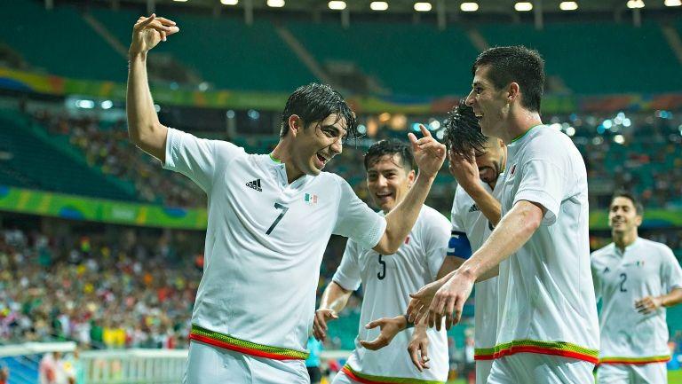 Pizarro celebra un gol frente a Alemania en los JO de Río