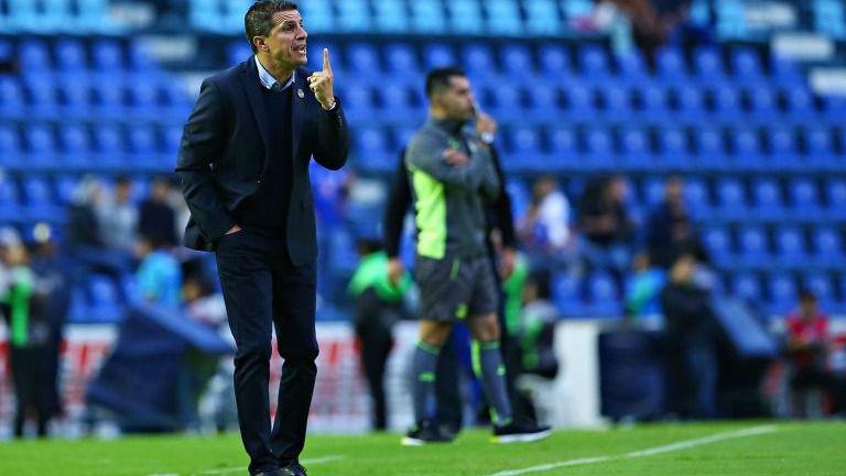 Ricardo Valiño, durante el partido contra Cruz Azul