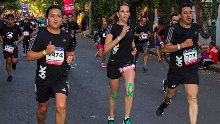 Los corredores dieron su máximo esfuerzo en el split de Adidas