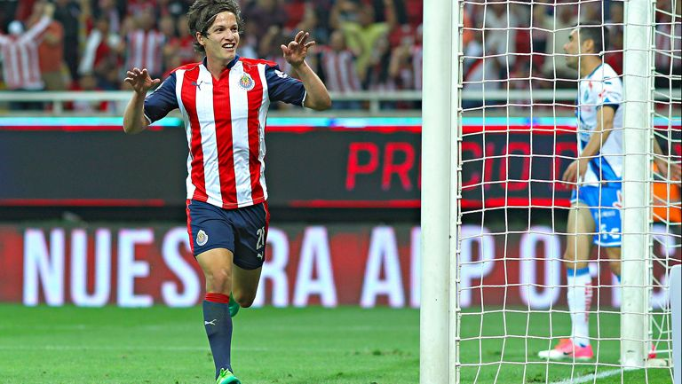 Fierro celebra su anotación contra Puebla en la J13 de Liga MX