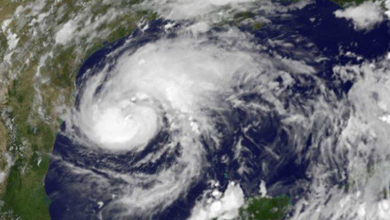 Imagen satelital del huracán Harvey cerca de llegar a Texas