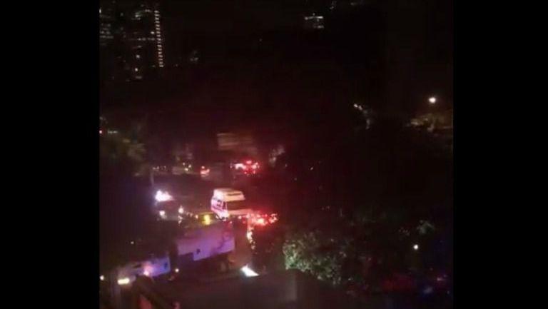 Varias ambulancias arriban al lugar de la balacera