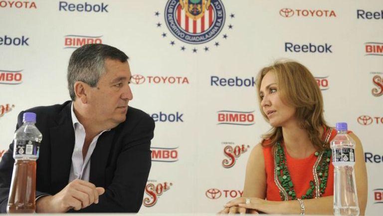 Vergara y Fuentes, en conferencia de prensa con Chivas