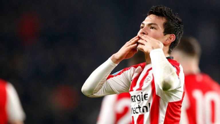 Lozano dedica su anotación con el PSV