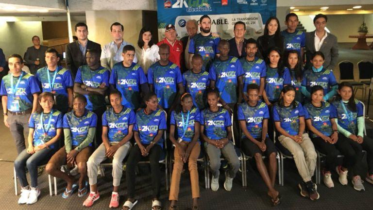 Competidores del Medio Maratón, durante la conferencia de prensa
