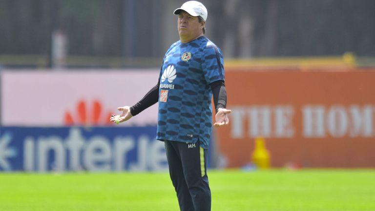 Herrera, en un entrenamiento del América