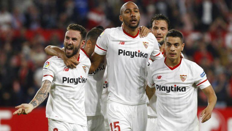 Layún celebra anotación frente a Real Madrid