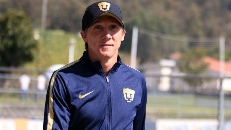 Leandro durante entrenamiento de Pumas
