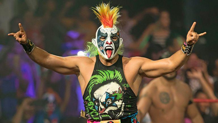 Psycho Clown antes de una lucha en Triple A