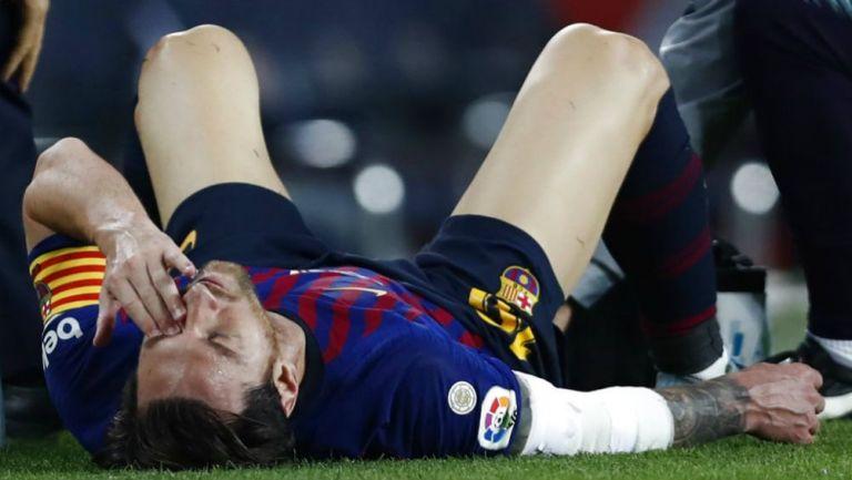 Messi, lesionado en el partido vs Sevilla