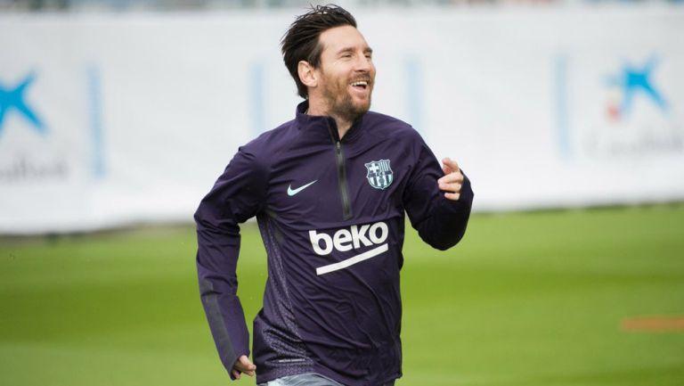 Messi pisa los campos del Barça tras su lesión