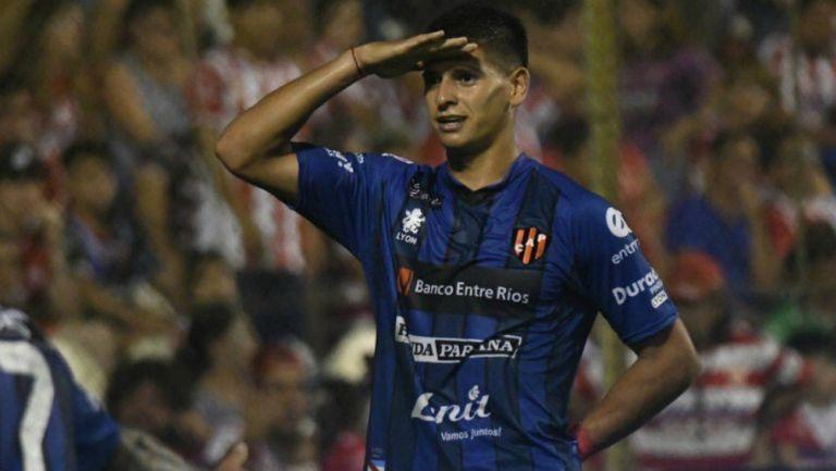 Facundo Barceló celebra anotación con Patronato