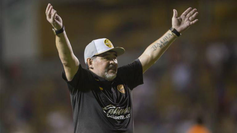 Maradona, en un juego al frente de Dorados