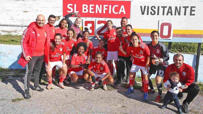 Jugadoras del Benfica al término del partido