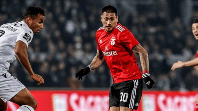 Nicolás Castillo en un partido del Benfica