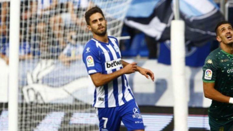 Rubén Sobrino durante un partido con Alavés