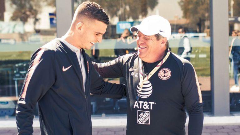 Benedetti ya conoció a su nuevo técnico, el Piojo Herrera