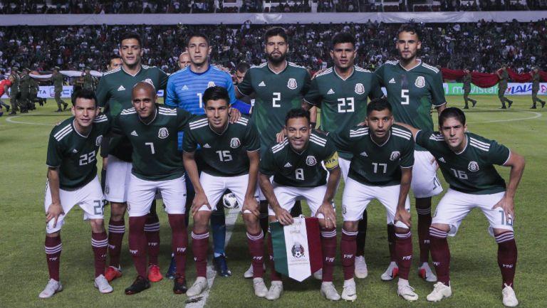Selección Mexicana previo a un partido contra Chile