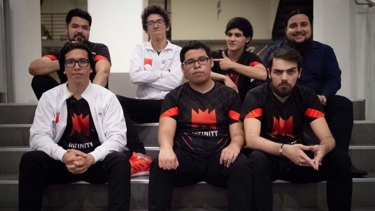 La escuadra de Infinity comanda la LLA