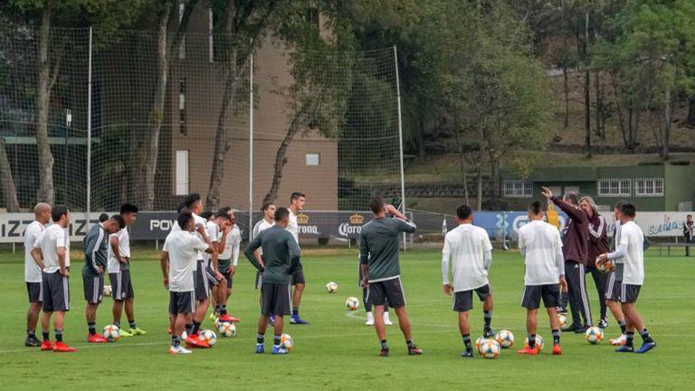 Jugadores de la Selección Mexicana, durante entrenamiento